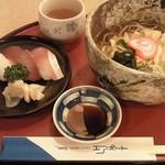 エアポート - 白エビ入りかき揚げそば&お寿司3個(1,420円)