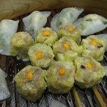 中国料理 李芳 - 広東しゅうまい、半月型海老餃子