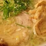 麺家くさび - 炊出し豚骨醤油麺