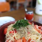 山の食堂Hana - 大葉とトマトとツナの冷たいパスタ