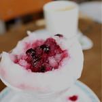 山の食堂Hana - ブルーベリーシロップかけかき氷