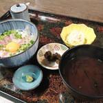 活魚小松 - 鯛ユッケ風丼定食