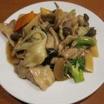 31686374 - 豚肉と野菜炒め(498円)税込