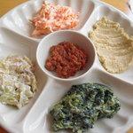 iSTANBUL NazaR - スペシャルランチ ¥2000 の 前菜の盛り合わせ