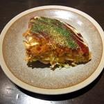 まんまるの月 - 名物、京のお好み焼きミックス(1100円)