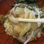 東大門 - 豚のがっつり丼の肉