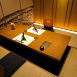 肉割烹 華家 新栄 - 落ち着いた雰囲気のくつろげる個室