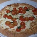 31699750 - 2014.10.17フレッシュトマトとバジルのピザ