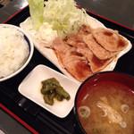 31700857 - 生姜焼き定食