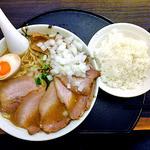 中華そば 石黒 - 肉にぼ(玉ねぎトッピング)& ライス(中)