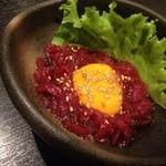 ぱちぱち - 料理写真:桜ユッケ