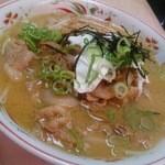 金安軒 - スタミナ味噌ラーメン810円