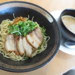 喫茶Live - 濃旨とんこつつけ麺(中細麺)¥700