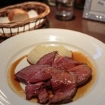 オザミ・デ・ヴァン 本店 - 仔羊モモ肉のロースト ジュのソース