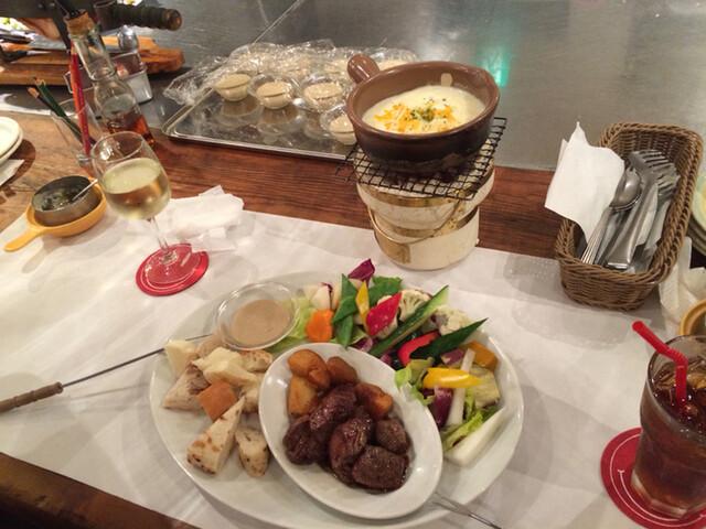 横浜チーズカフェ - チーズフォンデュは野菜もたっぷりです♪