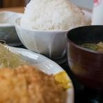 とんかつや漫遊亭 - 大盛り御飯(+100円)