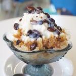 ウリウリカフェ - 料理写真:黒糖味お豆さん+練乳(450円)