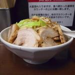アタゴロウ - 豚入り大盛(野菜マシ)