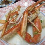 元祖びっくりかにや - 蟹は他のおかずでご飯を食べた後にデザート感覚でいただきました。  ただやはり蟹を食べると直接手で折ったり、割ったりするんでおしぼりが手放せませんでした・