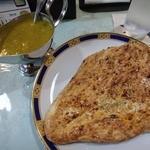 セーナーニ - 料理写真:チキンカレー&ナン