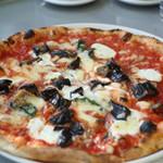 ラ・テラッツァ 芦ノ湖 - リコッタチーズと長茄子のピザ ¥2000
