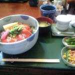 わたべ亭 - 信州サーモン丼