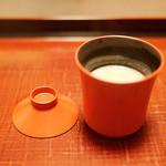 ふきあげ - お料理の最後に麹の香り満点の白味噌のお汁。具をわざと入れず、研ぎ澄まされた味。