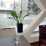レストラン ロータス - 窓の外は雪