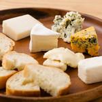 チーズの盛り合わせ6種