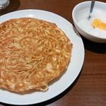 31743789 - 梅蘭やきそばと杏仁豆腐のセット
