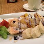 薄皮たい焼 粉こ楽 - 料理写真:アップルを背負ったパイたい焼き550円