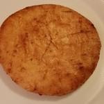 浜崎煎餅店 - 料理写真:にんにくせんべい。
