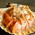 喰い処 鮭番屋 - ホタテは食べやすいように一口サイズにカットしてくれます