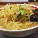 ちゃんぽん亭 - 「近江ちゃんぽん」麺を上に上げました。