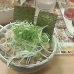 東京とんこつらーめん 翔 - チャーシュー丼378円