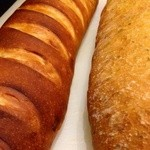 ビストロ シャノアール - 毎日自家製パン焼いてます