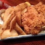 ずんどこべろんちょ - 鶏の唐揚げとポテト