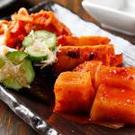A5焼肉渕屋 - 種類豊富なキムチは、 厳選された食材を使用したもの。