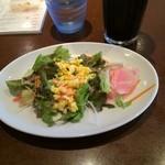 31776934 - 仙台市営地下鉄南北線長町南駅前のミア・アンジェラ 長町南で昼食。                       ランチのパスタセットのサラダとアイスコーヒー。