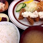 ミズタニ - カキフライ定食 ¥780