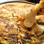 韓国家庭料理 済州 - お餅入りチヂミ、大好評!