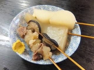お栄さん - おでん(すじ、椎茸、こんにゃく、大根)
