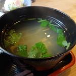 わらしべちょー茶 - 生姜焼き定食の味噌汁