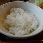 わらしべちょー茶 - 生姜焼き定食のライス