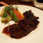 さくらや - 和牛ほほ肉の赤ワイン煮。