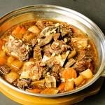 韓国家庭料理 済州 - ◇カルビチム◇骨付カルビを漢方食材で煮込んだものです。ご予約頂きますと、3日前から煮込みます。前日のご予約でも大丈夫です。