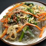 韓国家庭料理 済州 - ◇チャプチェ◇春雨と野菜を炒めた韓国の代表的なおもてなし料理!