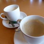 31787699 - カフェラテ(キープ農場有機ジャージー牛乳+有機栽培コーヒー)