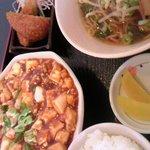 31787892 - ラーメンと麻婆豆腐のランチセット