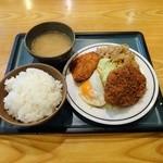 キッチンジロー - メンチスタミナ+帆立クリームコロッケ+目玉焼き